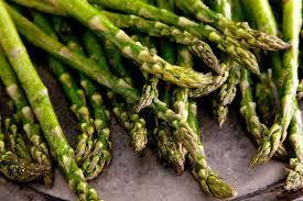 raccolto asparagi